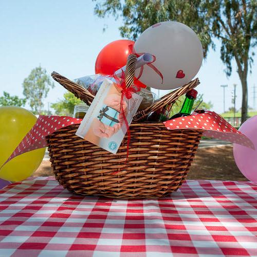 romantic_picnic_basket