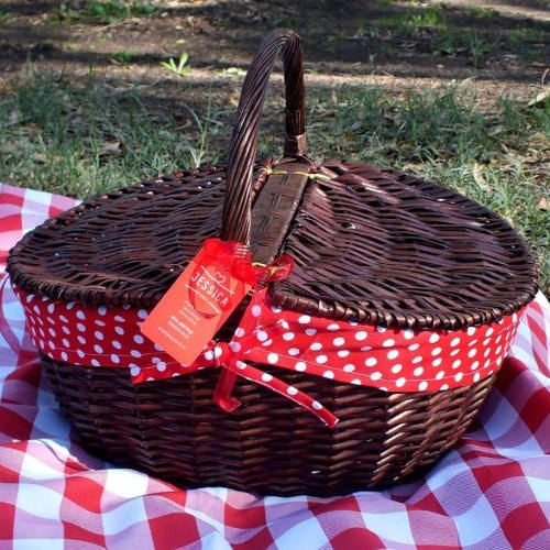 picnic-basket-red-fabric