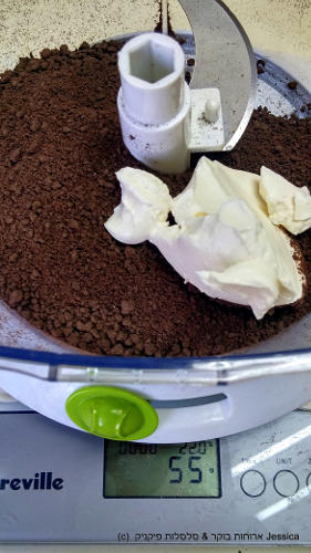 להוסיף גבינת שמנת לפתיבר שוקולד מריר