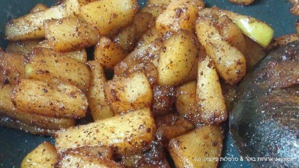 לבשל את התפוחים עד לריכוך