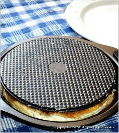 להפוך את עוגת גבינה ניו יורק מעל הטארט טטאן