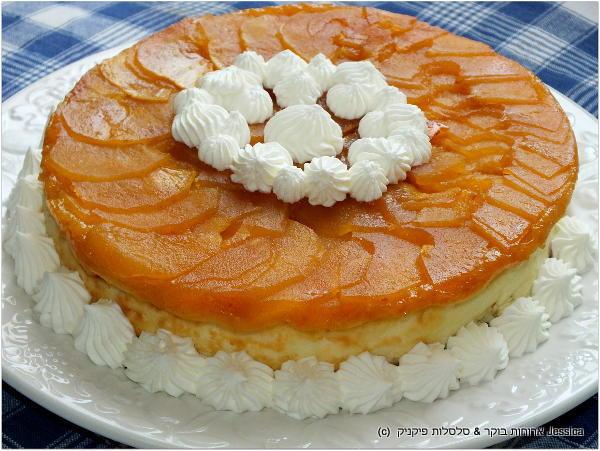 לקשט את עוגת גבינה ניו יורק עם מעט קצפת