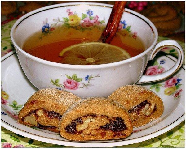פרוסות עוגיות תמרים ואגוזים מרולדת קמח מלא